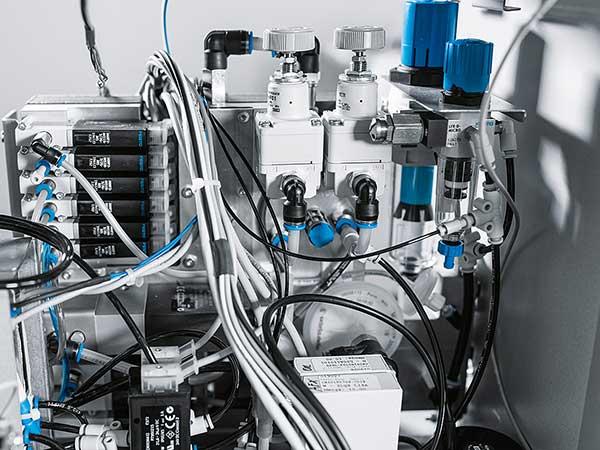 تجهیزات هیدرولیک و پنوماتیک - شیرآلات